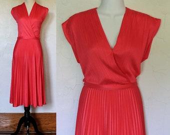 Vintage 1970s Vibrant Pink Pleated Dress