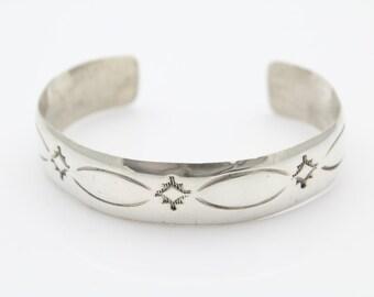 Vintage Navajo Bracelet Southwestern Hand Stamped Sterling Silver Cuff. [6936]