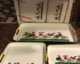 Vintage Set of 3 Holiday Serving Trays, Lacquer Ware, Nesting Trays