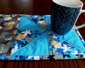 Patchwork quilted mug rug, snack mat, pinwheel turquoise placemat