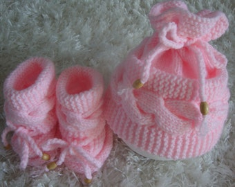 Baby Hat - Baby Boots - Knitted Baby Hat - Knitted Baby Boots - Cable Baby Hat - Hand Knitted Baby Hat and Boots