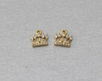 Crown Brass Pendant . Polished Gold Plated . 10 Pieces / C7003G-010
