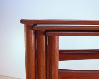 Hans J Wegner Nesting Tables T40, Classic Teak Nesting Tables made in Denmark