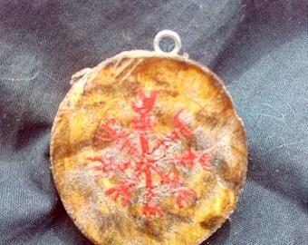 Plum pendant with Aegishjalmur (helmet of Ægir, also said helmet of terror).