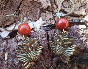 Earring - Antique Gold Owl With Agate Bead