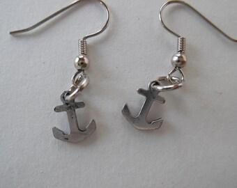 Anchor Earrings, Rustic earrings, patena earrings, beach earrings, Silver earrings, nickel free earrings
