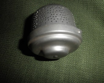 Tea Strainer with Cover