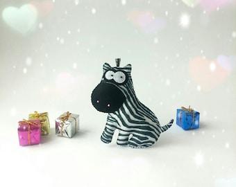 zebra ornaments, magnet zebra, felt zebta, fabric zebra, zebra decor, zebra wall decal, felt toy zebra, stuffed animal, safary animals