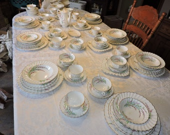 Royal Doulton Bell Heather Dinnerware Set (102 pieces)