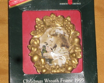 1995 American Greetings Christmas Ornaments Wreath Picture Frame NOS
