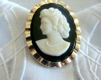 Cameo Vintage Goldtone Clip-on Brooch Germany