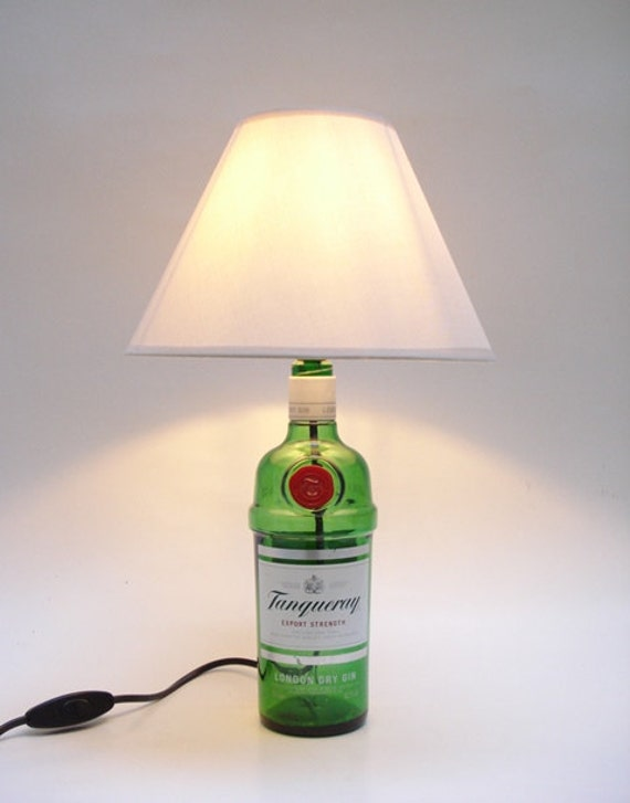 tanqueray gin flasche lampe. Black Bedroom Furniture Sets. Home Design Ideas