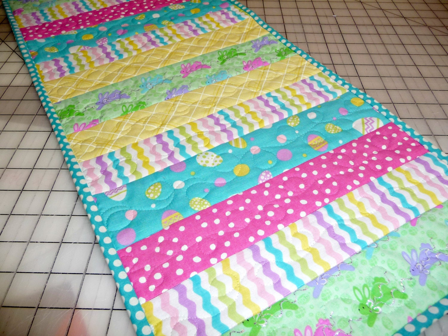 easter table runner table runner quilted by sewsweetsparrow. Black Bedroom Furniture Sets. Home Design Ideas