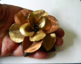 Large layered -Tri metal flower pin