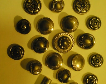 Vintage metal buttons nice mixed lot silver tone