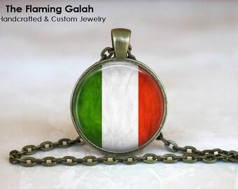 ITALIAN Flag Pendant • Vintage Italy Flag • Vintage Italian Flag • Bandiera D'Italia • Gift Under 20 • Made in Australia (P0420)
