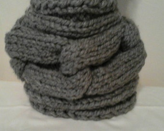 Chunky links grey cowl