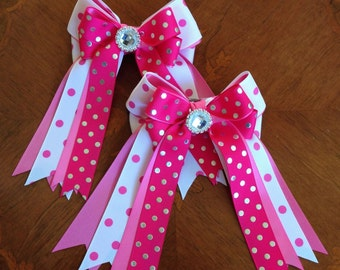 Horse show bows, beautiful pink equestrian clothing, sparkle gem