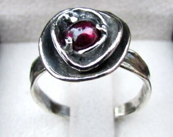 Flower Ring, Sterling Silver Ring, Natural Garnet Ring, Womens Rings, Unique ring, handcrafted ring, Boho Ring, Mother's day