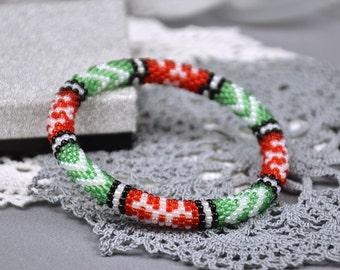 Bead crochet Bangles Christmas beaded bracelet Red Green Stretch bracelet christmas gift for her xmas bracelet beaded jewelry Gift for women