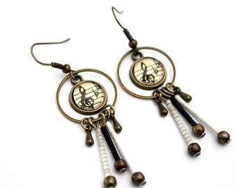 """Bohemian earrings with miyuki and cabochon glass beads """"sheet music: Clé de sol"""" retro brass"""
