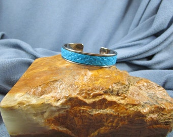 10mm Flat Bright Blue Leather Gunmetal ToneCuff Bracelet with Embossed Multi Squiggle Design