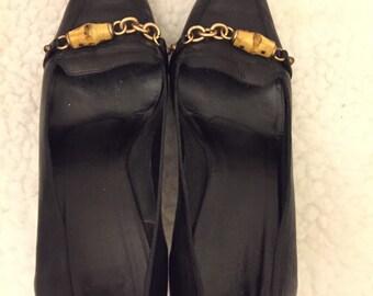 Vintage Gucci black leather pumps