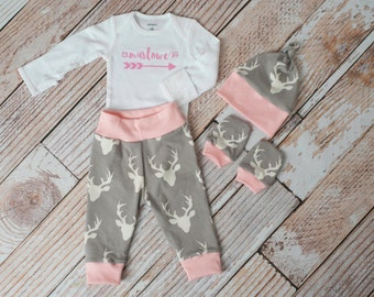 Personalized Arrow Baby Deer Antlers/Horns Bodysuit, Hat, Scratch Mitts Set with Grey and Pink + Name Bodysuit Newborn Coming Home