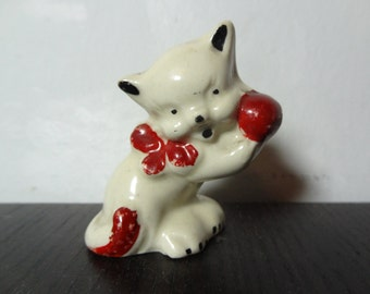 Vintage White Ceramic Cat Figurine with Red Bow and Ball of Yarn - Kitsch