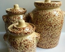 Vintage Set of 3 Robinson Ransbottom Of Roseville Ohio Red Brown Spongeware Pottery #700 Kitchen Storage Jars Canisters With Handles RRP Co.