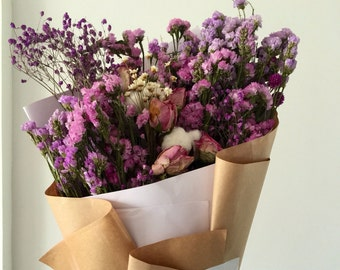 Dried flower bouquet for home decoration