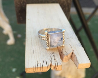 Sterling Silver ring // Moonstone // Size: 6.5