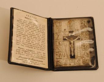 Antique Pocket Metal Prayer Before A CRUCIFIX Flat Stations CATHOLIC Italy ICON