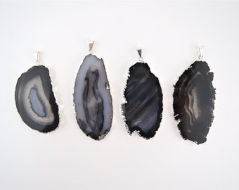 Black Agate Slice Pendant, Agate Necklace,Colorful Agate Slice, Natural Agate, Raw Jewelry, Agate Jewelry,Silver Plated,Costume Jewelry