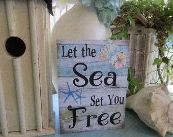 """Wood Beach Sign, """"Let the Sea Set You Free"""", Beach House Decor. Beach Themed Room, Beach Wall Art, Coastal Casual Decor"""