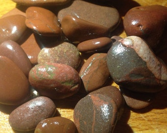 Irish Sea stones, beach pebbles, beach stones in red (23 pieces)