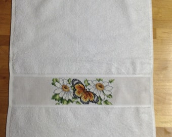 Butterfly and daisy towel