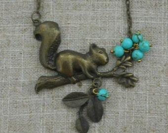 Vintage 1970s squirrel choker / necklace