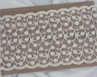 13.2cm Mini Flowers Lace Trim by the yard - Ivory Lace - 1 yard 5 yards or 10 yards
