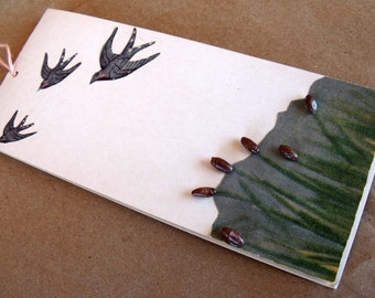 1 Unused 1950s Vintage Bridge Tally Card with 3 Birds in Flight, Tall Grass and 3D Seeds or Reeds like Swamp Punks