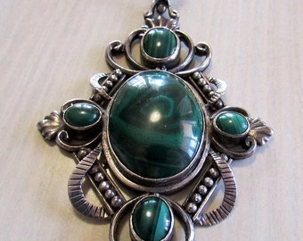Beautiful  Sterling Silver and Malachite Necklace