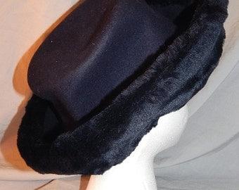 SALE Vintage Navy Blue Wool Hat, Ladies'