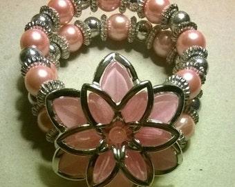 bead bracelet with flower