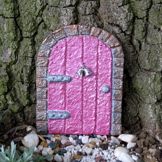 Outdoor fairy door painted pink for tooth fairy elf pixie for Pink fairy door
