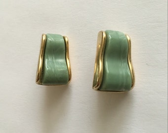Vintage Triafari gold tone with green center clip earrings