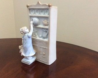 The 'Cookie Thief' Figurine Music Box, House of Lloyds.