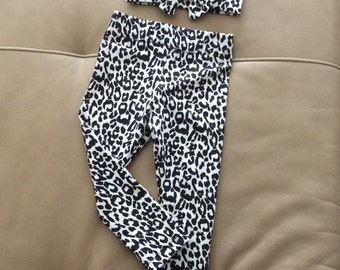 Black and White Cheetah Print Jersey Knit Leggings with Matching Bow Headband.