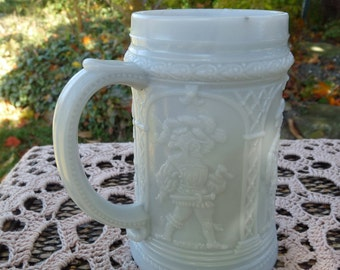WESTMORELAND GREENTOWN Light Gray Opaque Milk Custard Glass - Knights pattern No. 1 Collector Stein MUG