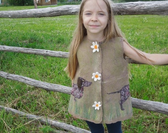 Felted Vest Dachshund dog  for girl Beautiful Vest with dog and chamomiles Clothing for fashionista Wool vest for little girl Green vest