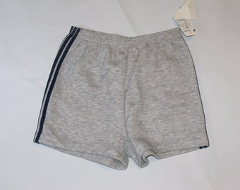 Vintage Bassett-Walker Tri-Stripe Shorts Size Medium 32-34 100% Acrylic